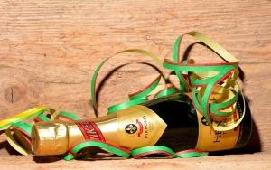 champagne-554280_640